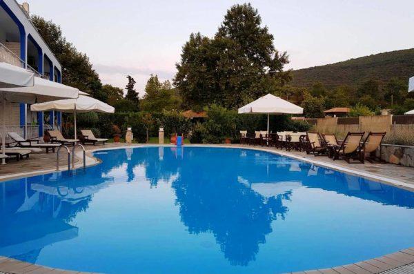 Studio with Pool View - Villa Riviera - www.villariviera.gr
