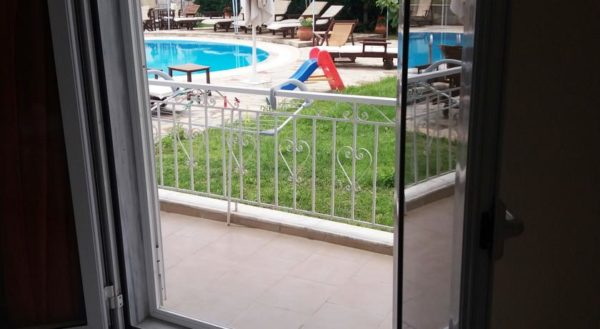 Studio with Pool View - Villa Riviera - www.villariviera.gr - Stavros